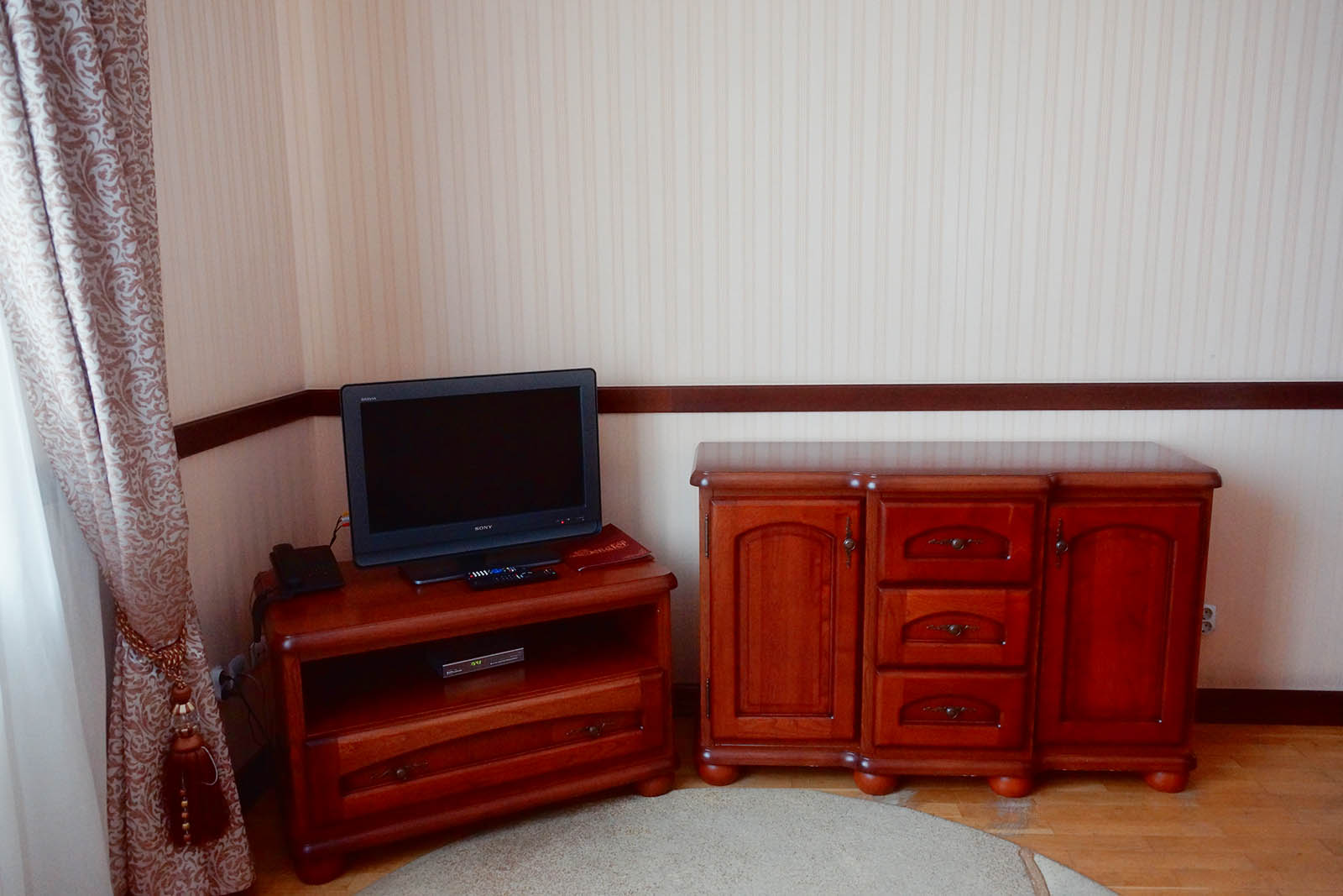 Senator Truskavets two-room suite TV